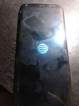Teléfono en excelente estado solo falla la pantalla.