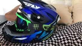 Vendo casco fly racing con bicera original talla M