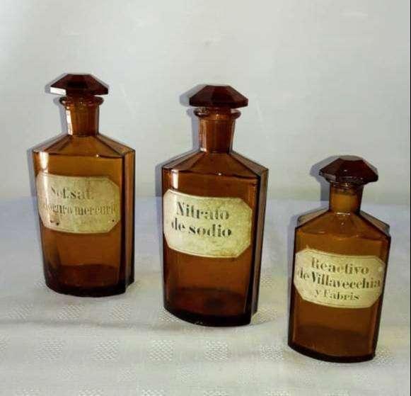 frascos de farmacia afectados antiguos  grandes 0