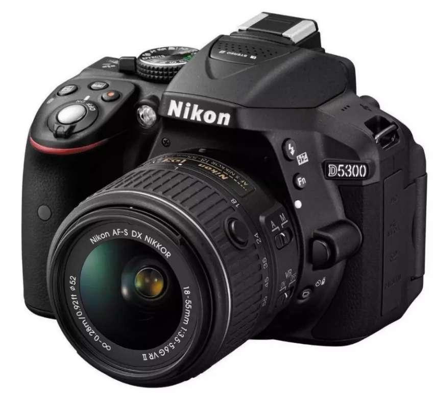 Camara Nikon D5300 0