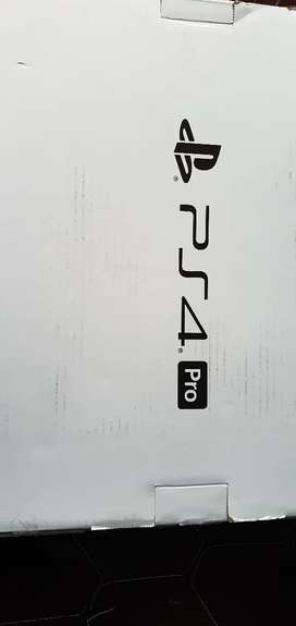 PLAY PS4 PRO