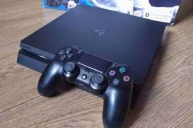 Consola PS4 Slim como nueva