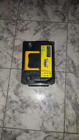 Vendo batería NUEVA SIN USO /DE 12 VOLT ×70 AMPER