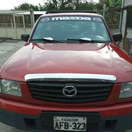 Se vende flamante Mazda año 2004 cero Choques matrícula al día contacto