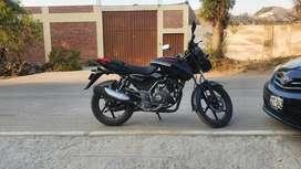 Moto Pulsar 150 con 2 días de uso