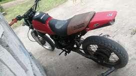 Vendo linda  moto de cadenilla reparada lista para usar solo personas seria cualquier información a