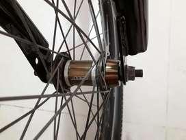 Bicicleta de bmx Gw en excelente estado