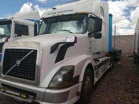Tracto Volvo vnl motor D12D 465HP caja de cambios 18 velocidades