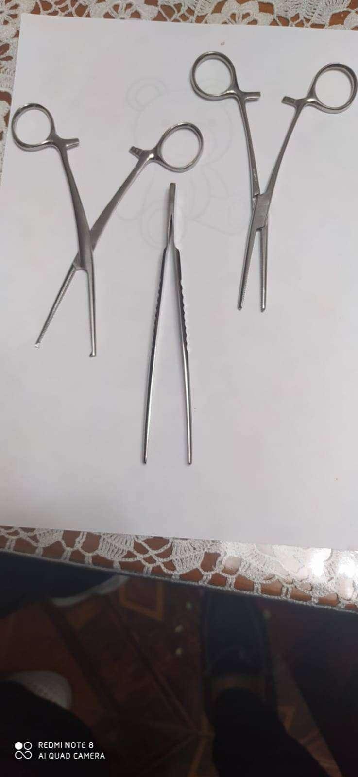 Tijeras quirúrgicas 0