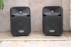 """Cajas parlantes potenciados de 8"""" Samson Auro 4208"""