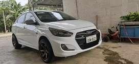 Hyundai Accent. Full.