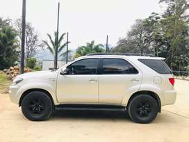 Toyota fortuner V6 4.0 gasolina impecable