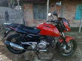 Pulsa180 UG GT modelo 2015 motosicleta