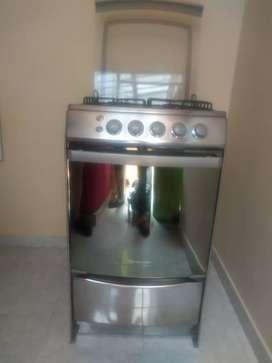 Vendo estufa marca Indurama cuatro puestos y horno