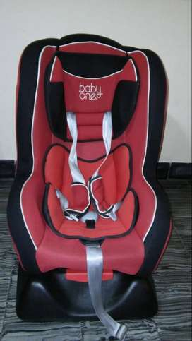 Butaca de niños para autos BabyOne de 9 Kg a 25 Kg
