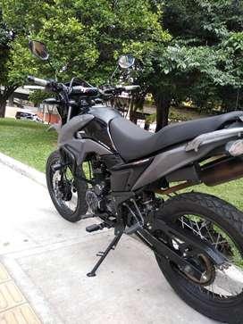Vendo moto AKT 180