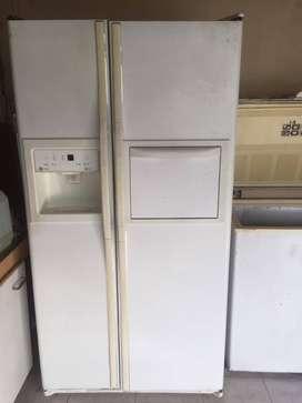Vendo heladera doble puerta GE