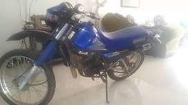 Vendo moto DT 125cc excelente estado