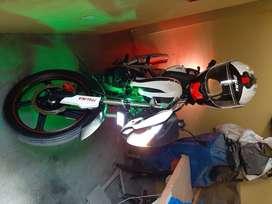 moto semi nueva poco recorrido