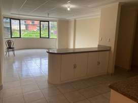 Bonito departamento 2 dormitorios, sala comedor, cocina, lavanderia, parqueadero subterraneo, gas centralizado