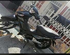 Vendo moto Suzuki 10-10