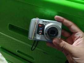 Camara digital en $50 funciona bien , en San Vicente
