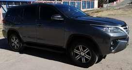 Vendo camioneta Toyota Fortuner