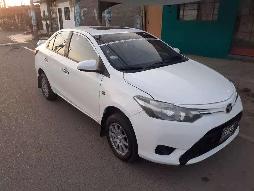 Vendo Toyota Yaris año 2014 gasolina y glp documentos en regla todo ok 0