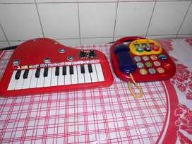 Piano y telefono funcionando