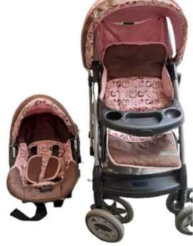 Coche para niña con silla