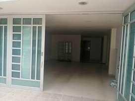 Arriendo primer piso con local para uso institucional, zona comercial a 5 minutos de centro comercial innovo Duitama