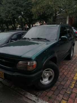 Se vende camión ford ventura en buenas condiciones
