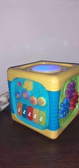 Cubo de Estimulacion Bebes Musica Y Luce