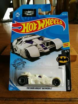 Hot Wheels Batmobile - The Dark Knight DC