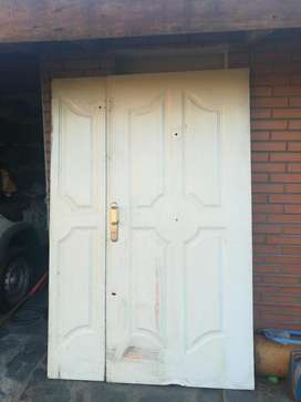 Puerta de Chapa Residencial Doble Hoja