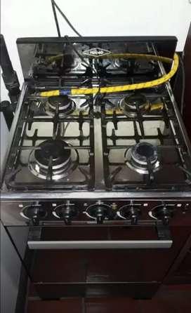 Estufa a gas con horno marca Haceb