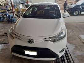 Vendo auto Toyota Yaris Año 2014 modelo 2015