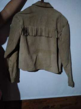 Campera de gamuza neutral zone. Talle M