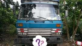 Se vende camion recien reparado integro