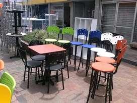 Venta de mesa con sillas para cafetería frutería heladería sillas para barra