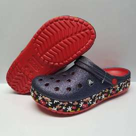 crocs escarchadas