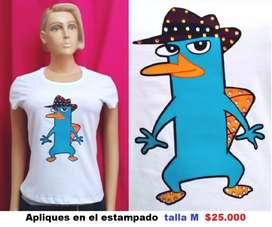 Camiseta femenina con apliques
