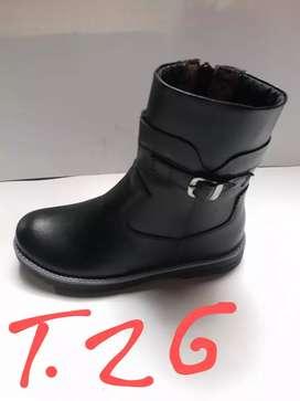 Botas  y calzados