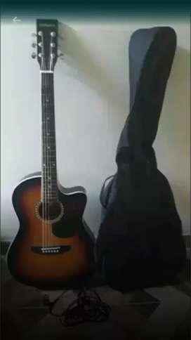 Se vende Guitarta electroacustica en perfecto estado