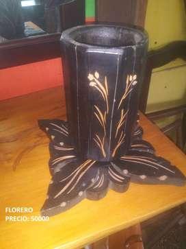 Antigüedades y artesanías en madera