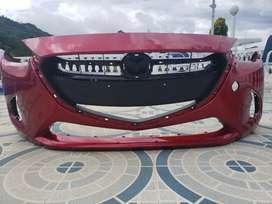 Bumper frontal + rejilla para Mazda 2 modelo 2020