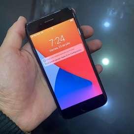 iPhone 7 / 32GB se entrega con cargador original y factura