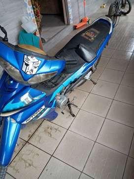 Se vende moto en buen estado marca DAYTANA