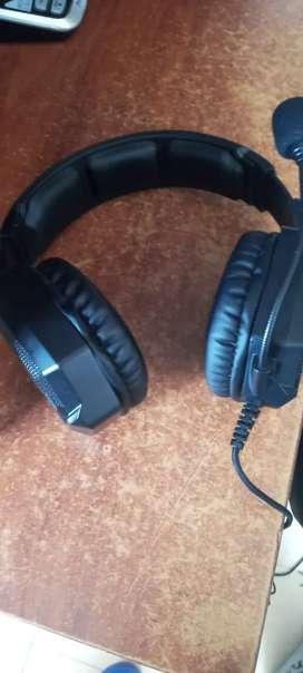 Audifonos gamer onikuma sonido HD. con microfono incluido