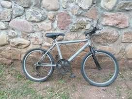 Vendo bicicleta con cambio rodado 20